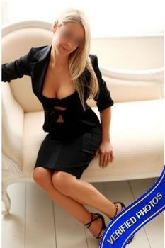 amanda hunt in black dress independent dubai escorts